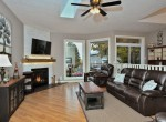 17563 Gregory Dr Thorndale ON-007-058-Living Room-MLS_Size
