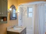 341 Elizabeth St St Marys ON-023-14-Bathroom-MLS_Size
